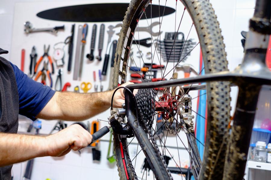 Fietsenwinkel Reparatie Betaalbaar Reparatie Onderhoud van Regulieren fietsen Volwassen Driewieler fietsen Bakfietsen Elektrische fietsen